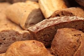 Chleb ciemny pełnoziarnisty