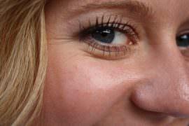 twarz i oko kobiety z bliska