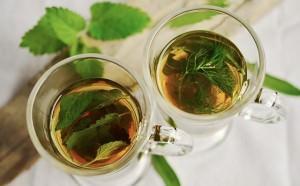 Pij herbatki ziołowe z czarnuszki czy kopru włoskiego