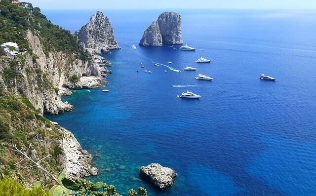 Widok z wyspy Capiri