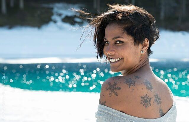 Kobieta z tatuażem