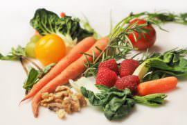 Warzywa i owoce na stole