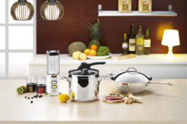 szybkowar w kuchni na blacie